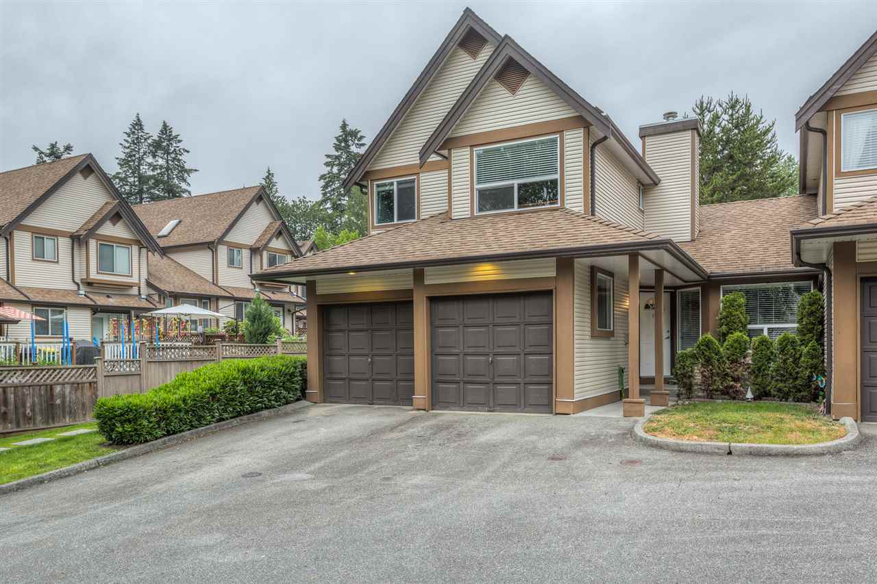 "Main Photo: 17 23151 HANEY Bypass in Maple Ridge: East Central Townhouse for sale in ""STONEHOUSE ESTATES"" : MLS® # R2072291"