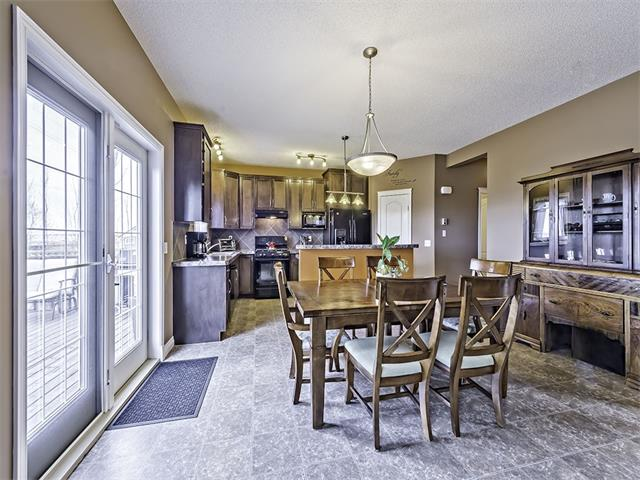Photo 10: 240 HAWKMERE Way: Chestermere House for sale : MLS(r) # C4069766