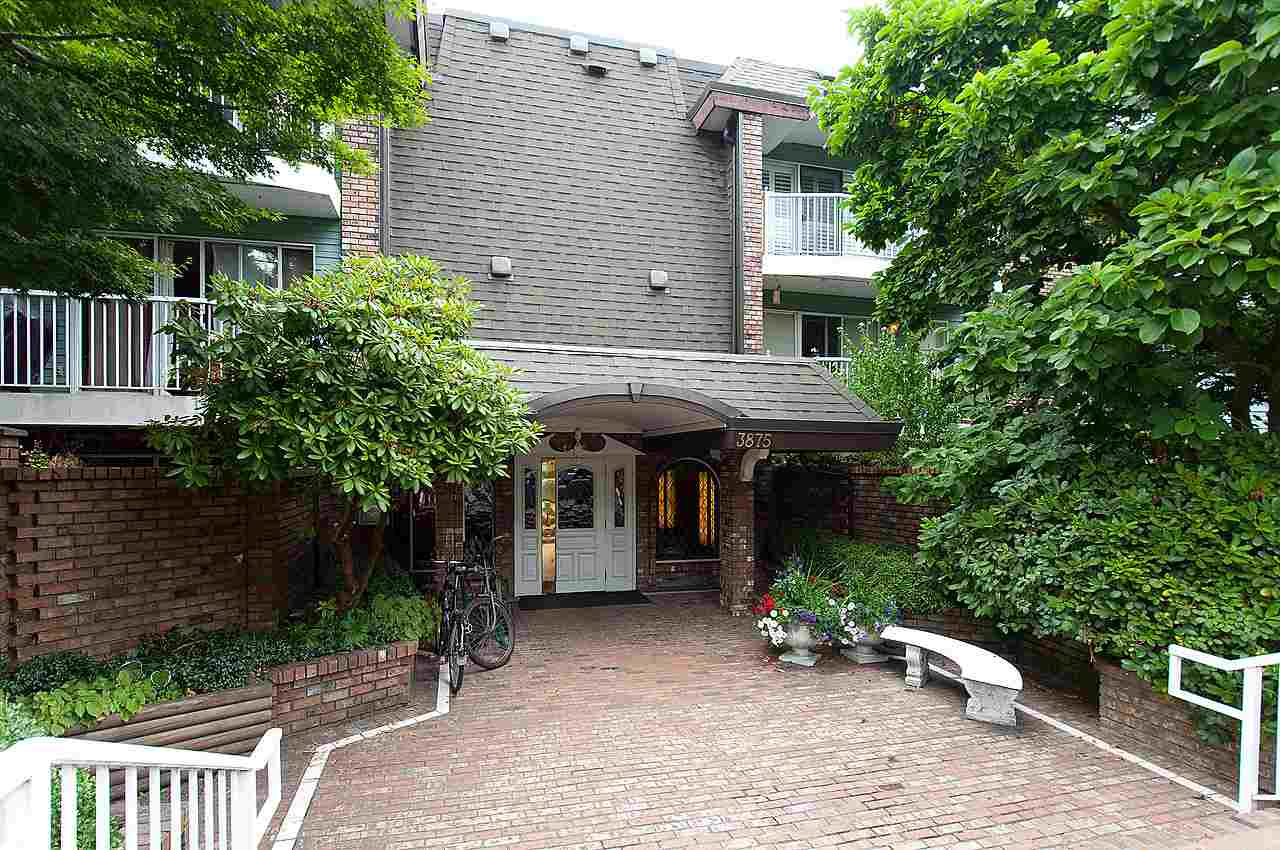 "Main Photo: 321 3875 W 4TH Avenue in Vancouver: Point Grey Condo for sale in ""LANDMARK JERICHO"" (Vancouver West)  : MLS® # R2091578"