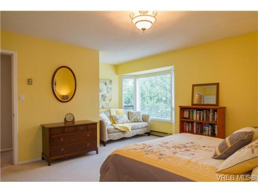Photo 14: 2441 Costa Vista Place in VICTORIA: CS Tanner Single Family Detached for sale (Central Saanich)  : MLS® # 368863