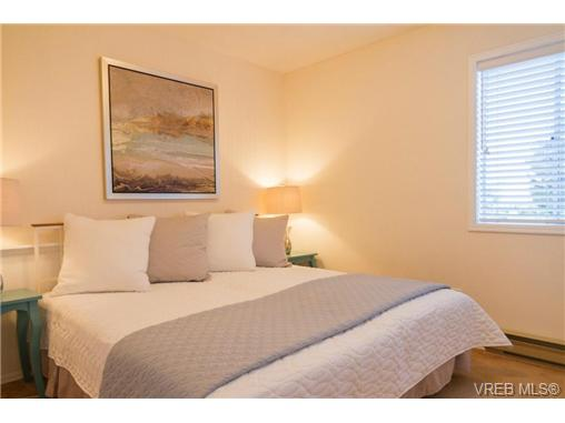 Photo 16: 2441 Costa Vista Place in VICTORIA: CS Tanner Single Family Detached for sale (Central Saanich)  : MLS® # 368863