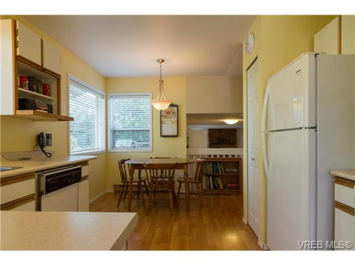 Photo 9: 2441 Costa Vista Place in VICTORIA: CS Tanner Single Family Detached for sale (Central Saanich)  : MLS® # 368863