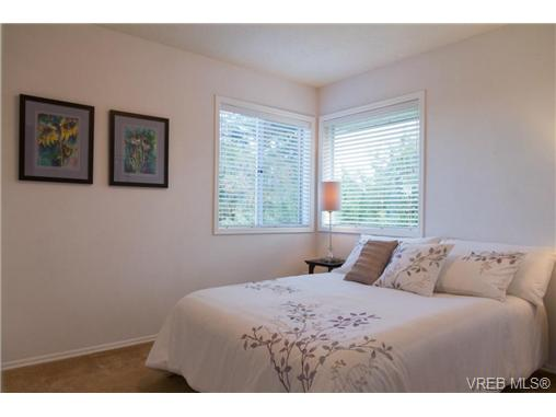 Photo 17: 2441 Costa Vista Place in VICTORIA: CS Tanner Single Family Detached for sale (Central Saanich)  : MLS® # 368863