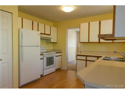 Photo 8: 2441 Costa Vista Place in VICTORIA: CS Tanner Single Family Detached for sale (Central Saanich)  : MLS® # 368863
