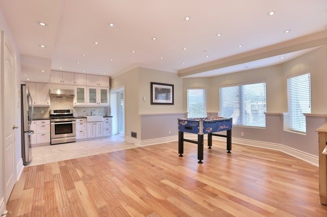 Photo 10: 2407 Taylorwood Drive in Oakville: Iroquois Ridge North House (2-Storey) for sale : MLS® # W3604780