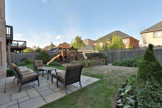 Photo 13: 2407 Taylorwood Drive in Oakville: Iroquois Ridge North House (2-Storey) for sale : MLS® # W3604780