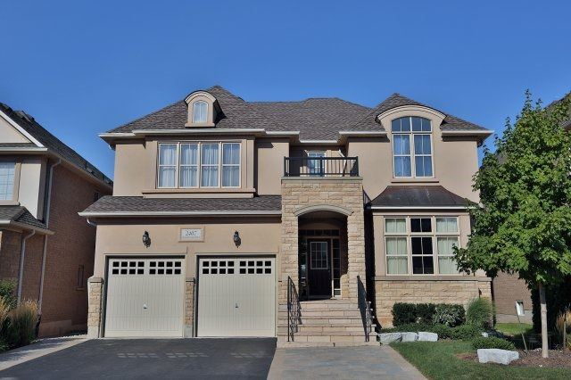 Main Photo: 2407 Taylorwood Drive in Oakville: Iroquois Ridge North House (2-Storey) for sale : MLS® # W3604780