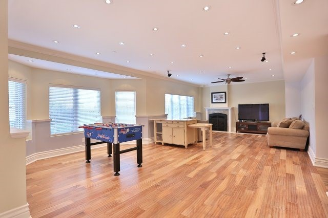 Photo 9: 2407 Taylorwood Drive in Oakville: Iroquois Ridge North House (2-Storey) for sale : MLS® # W3604780