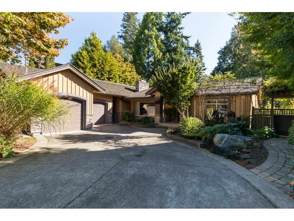 "Main Photo: 13058 15 Avenue in Surrey: Crescent Bch Ocean Pk. House for sale in ""OCEAN PARK"" (South Surrey White Rock)  : MLS® # R2112236"