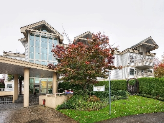 Main Photo: 303 1118 55 Street in Delta: Tsawwassen Central Condo for sale (Tsawwassen)  : MLS(r) # R2117872