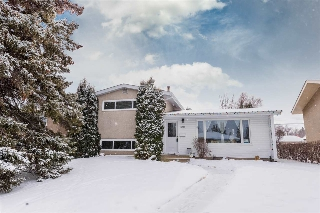 Main Photo: 5211 92A Avenue in Edmonton: Zone 18 House for sale : MLS(r) # E4053702