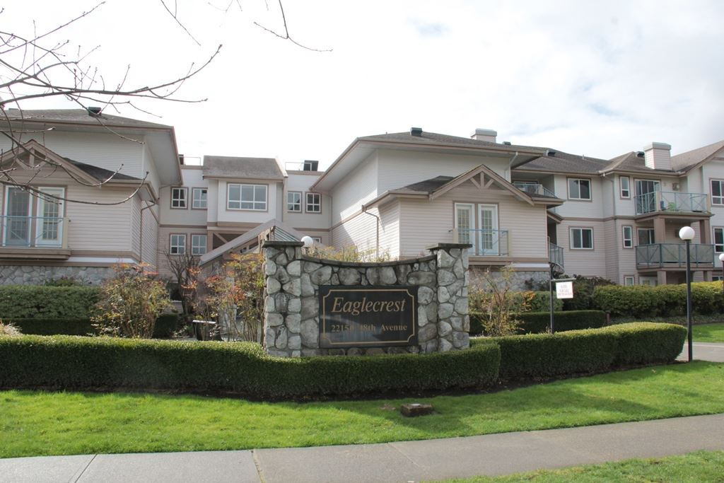 "Main Photo: 305 22150 48 Avenue in Langley: Murrayville Condo for sale in ""Eaglecrest"" : MLS® # R2149684"