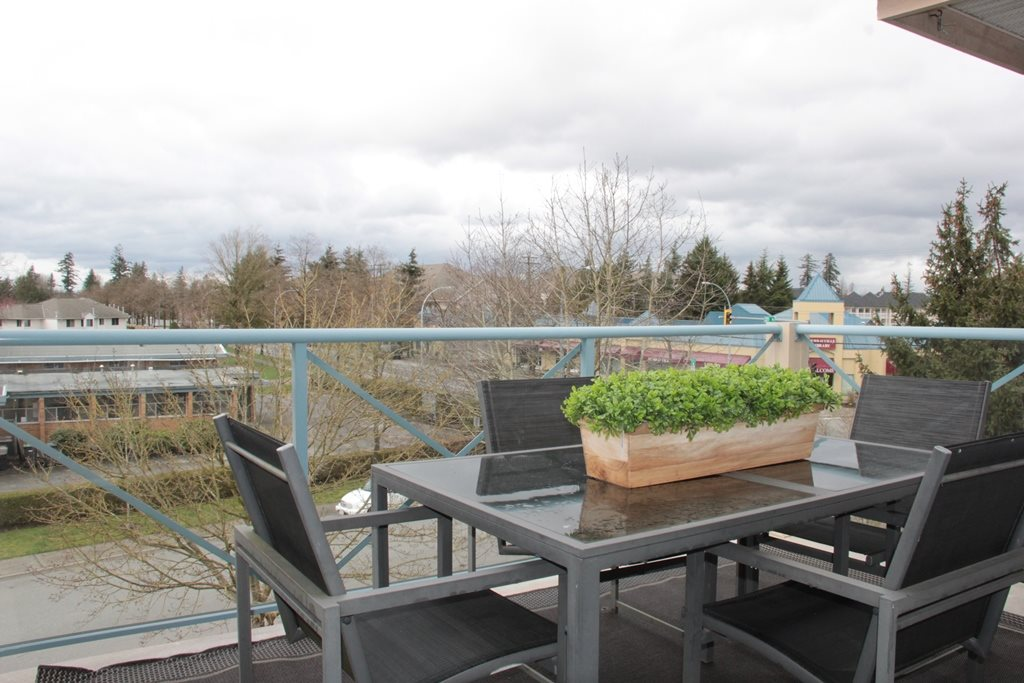 "Photo 11: 305 22150 48 Avenue in Langley: Murrayville Condo for sale in ""Eaglecrest"" : MLS(r) # R2149684"