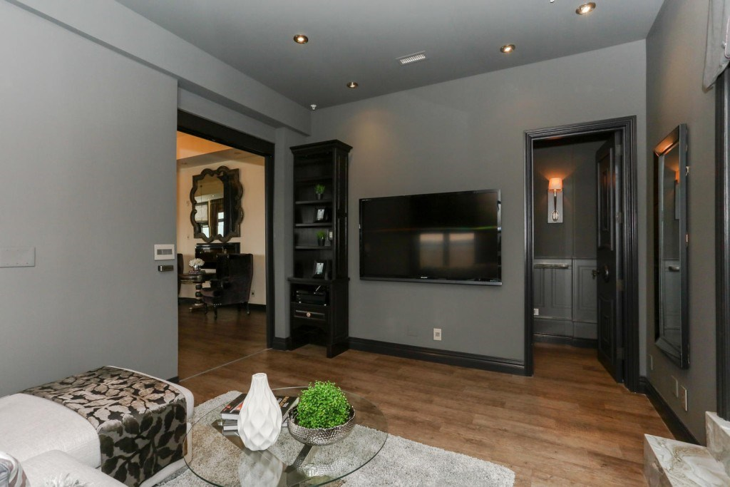 Photo 17: 1001 10108 125 Street NW in Edmonton: Zone 07 Condo for sale : MLS® # E4060611