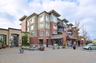 "Main Photo: 401 2970 KING GEORGE Boulevard in Surrey: King George Corridor Condo for sale in ""Watermark"" (South Surrey White Rock)  : MLS® # R2160706"