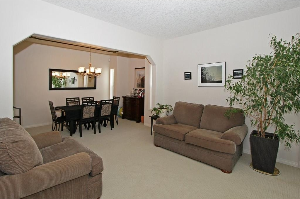 Photo 4: 308 CRIMSON Close: Chestermere House for sale : MLS(r) # C4117671