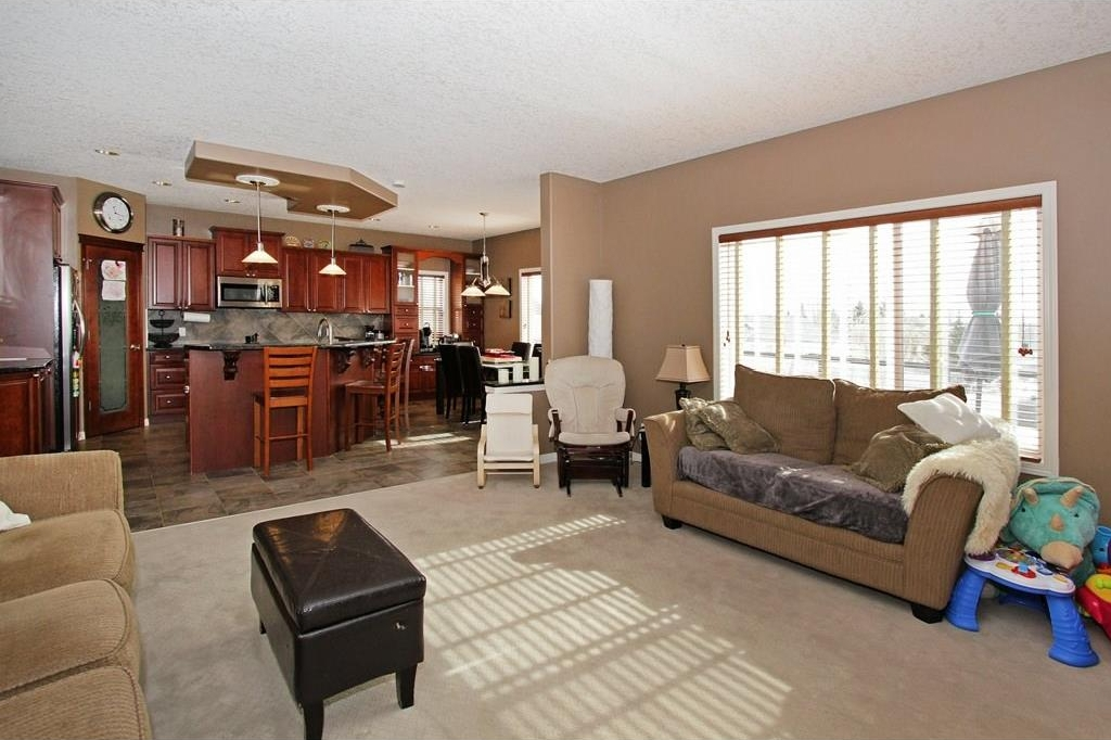 Photo 13: 308 CRIMSON Close: Chestermere House for sale : MLS(r) # C4117671