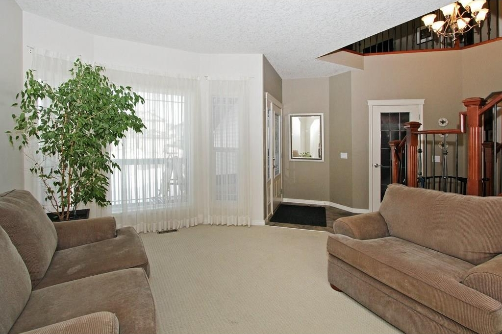 Photo 3: 308 CRIMSON Close: Chestermere House for sale : MLS(r) # C4117671