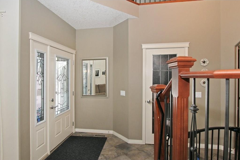 Photo 2: 308 CRIMSON Close: Chestermere House for sale : MLS(r) # C4117671
