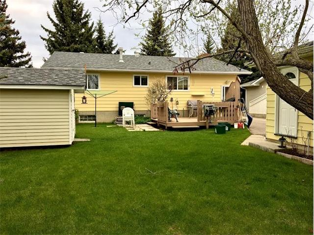 Photo 4: 452 OAKRIDGE Way SW in Calgary: Oakridge House for sale : MLS(r) # C4117664