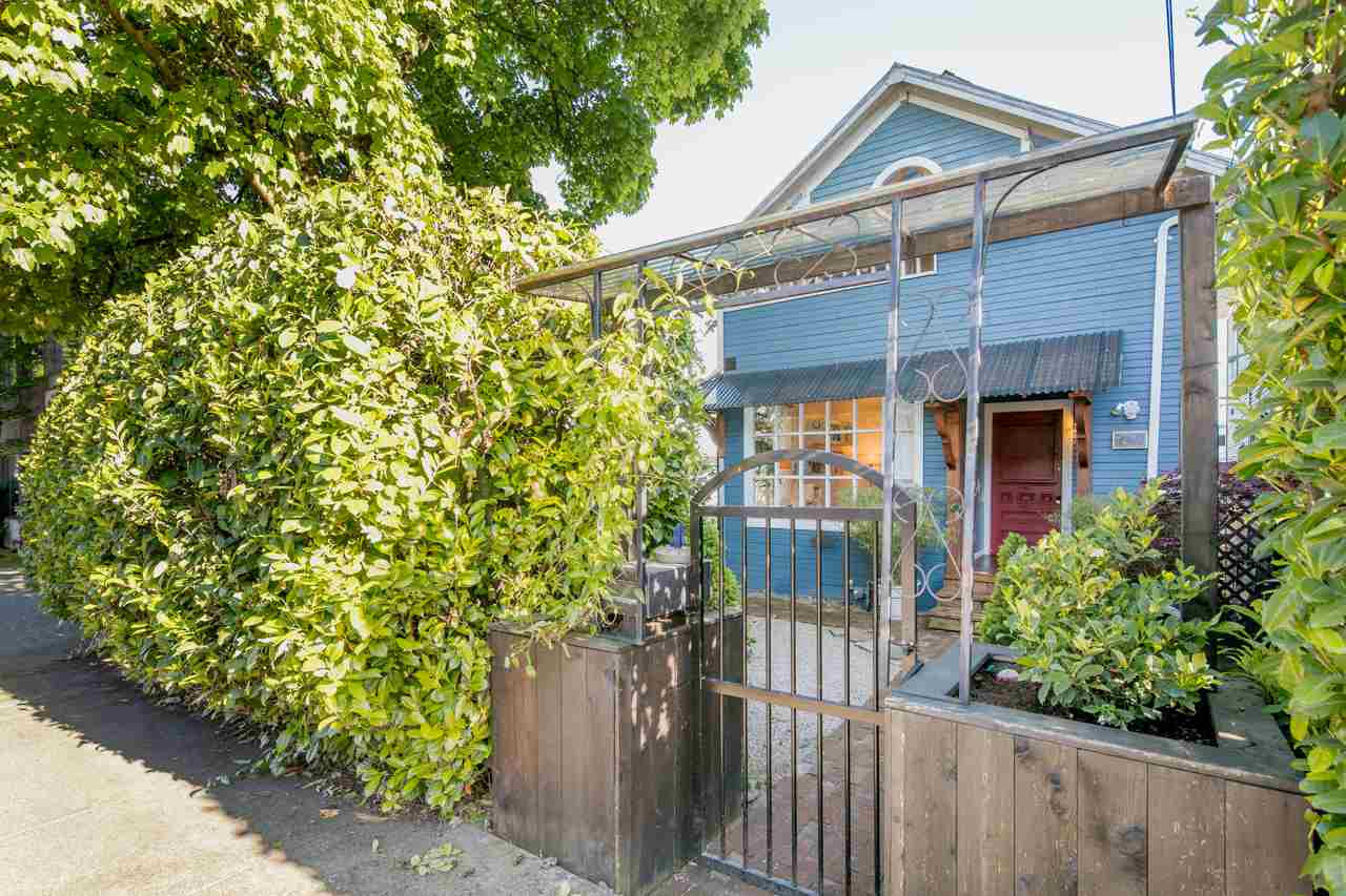 Photo 1: 1224 E GEORGIA Street in Vancouver: Mount Pleasant VE House for sale (Vancouver East)  : MLS® # R2168811