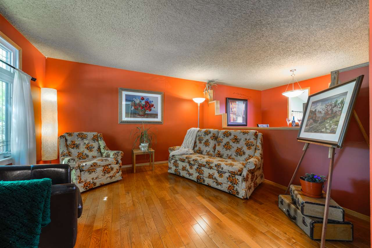 Photo 6: 3604 17B Avenue in Edmonton: Zone 29 House for sale : MLS(r) # E4066516