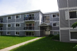 Main Photo: 305 8215 83 Avenue in Edmonton: Zone 18 Condo for sale : MLS(r) # E4066968