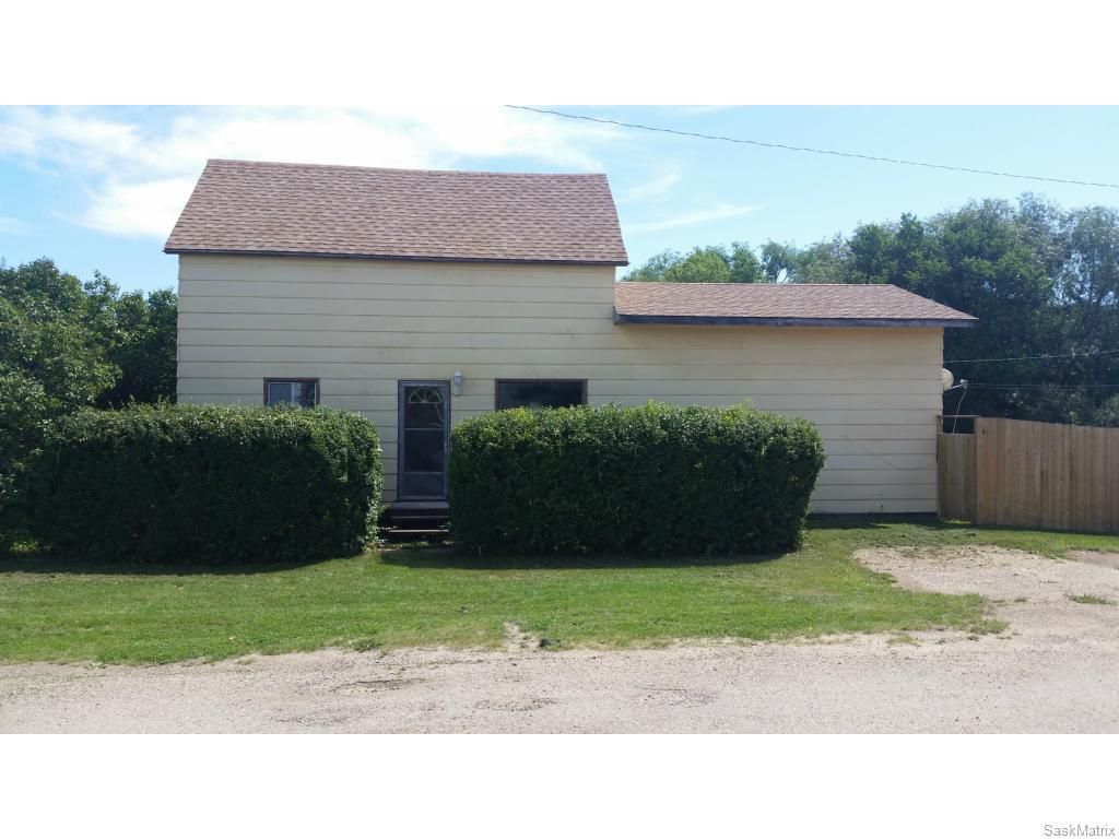 Main Photo: 300 3rd Street in Dundurn: Residential for sale : MLS® # SK614398