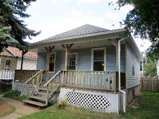 Main Photo:  in Edmonton: Zone 05 House for sale : MLS® # E4076232