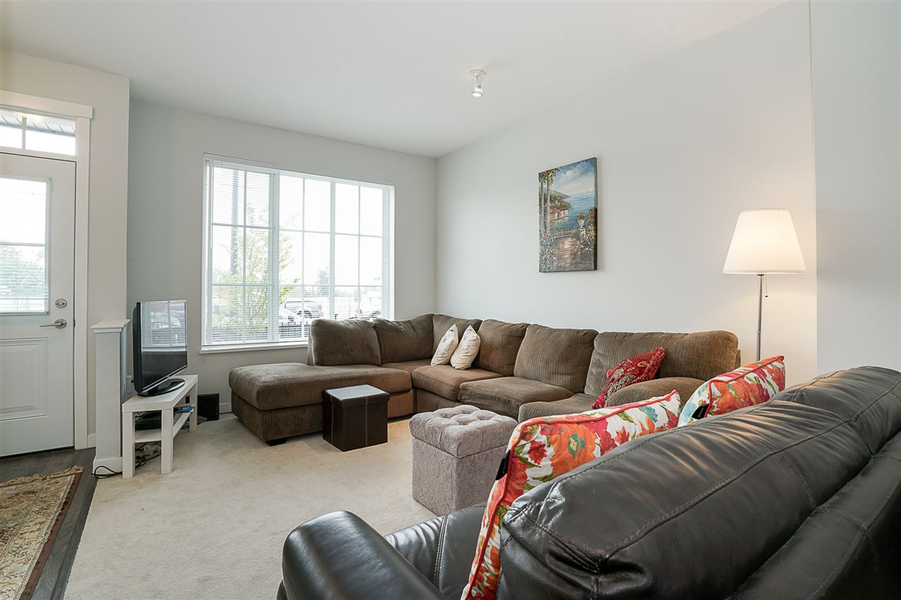 "Photo 4: Photos: 3 30989 WESTRIDGE Place in Abbotsford: Abbotsford West Townhouse for sale in ""Brighton"" : MLS® # R2204794"
