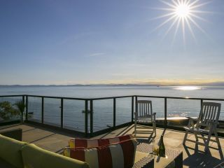 Main Photo: 146 TSAWWASSEN BEACH Road in Delta: English Bluff House for sale (Tsawwassen)  : MLS® # R2206925