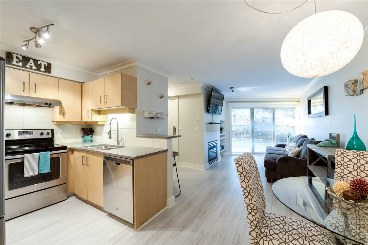 Main Photo: C4 332 LONSDALE AVENUE in North Vancouver: Lower Lonsdale Condo for sale : MLS® # R2208855