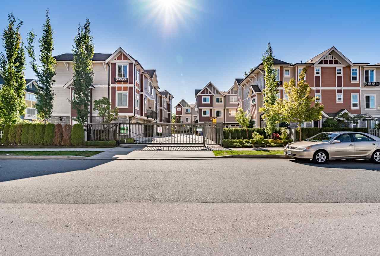 Photo 1: Photos: 28 14338 103 Avenue in Surrey: Whalley Townhouse for sale (North Surrey)  : MLS® # R2220462