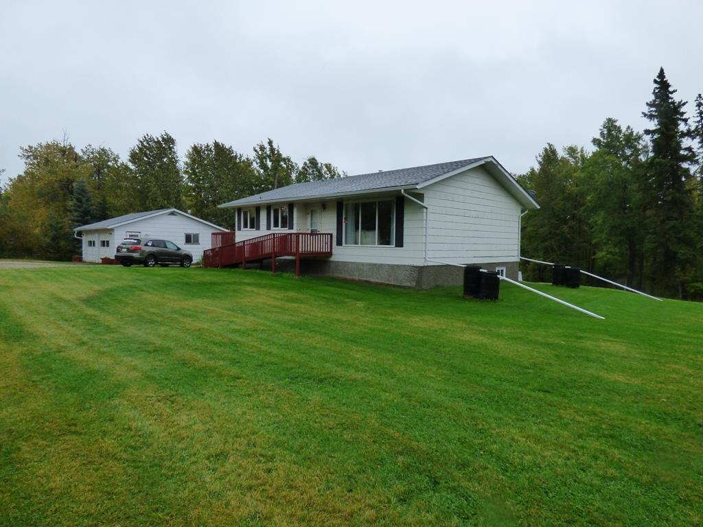 Main Photo: 3217 Twp Rd 572A: Rural Lac Ste. Anne County House for sale : MLS® # E4090871