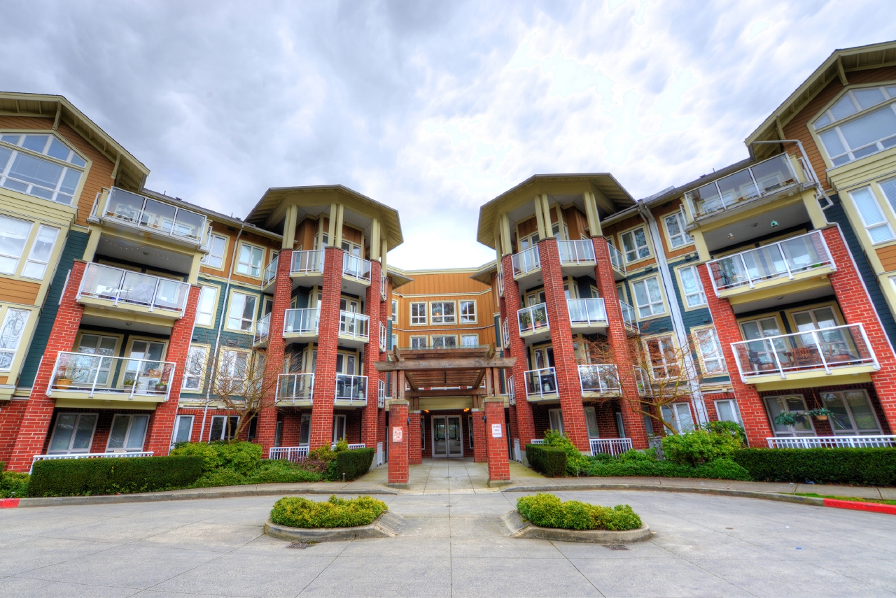 FEATURED LISTING: 208 - 14 ROYAL Avenue East New Westminster
