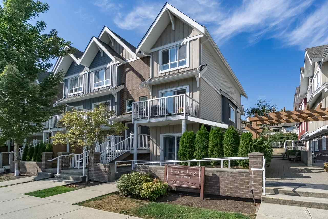"Main Photo: 202 1661 FRASER Avenue in Port Coquitlam: Glenwood PQ Condo for sale in ""BRIMLEY MEWS"" : MLS®# R2248870"