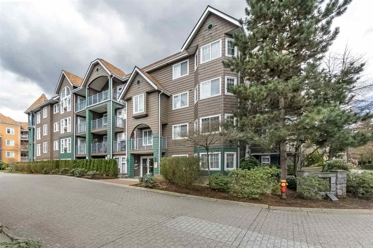 "Main Photo: 315 3085 PRIMROSE Lane in Coquitlam: North Coquitlam Condo for sale in ""LAKESIDE TERRACE"" : MLS®# R2254918"