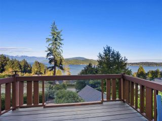"Main Photo: 843 FISHER Road in Gibsons: Gibsons & Area House for sale in ""GRANTHAMS LANDING"" (Sunshine Coast)  : MLS®# R2281067"