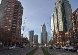 Main Photo: 47 1200 PACIFIC Boulevard in Vancouver: Yaletown Condo for sale (Vancouver West)  : MLS®# R2308071