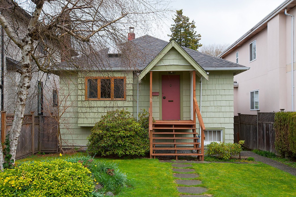 Main Photo: 3841 W 21ST Avenue in Vancouver: Dunbar House for sale (Vancouver West)  : MLS(r) # V1057378