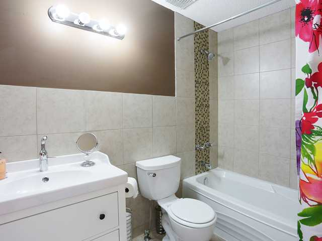 Updated en-suite which is both practical and stylish
