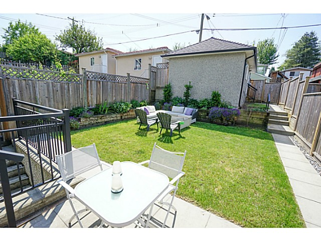 Photo 16: 576 E 30TH Avenue in Vancouver: Fraser VE House for sale (Vancouver East)  : MLS(r) # V1126244