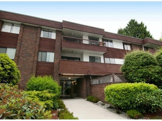 Main Photo: 107 122 E 17TH STREET in : Central Lonsdale Condo for sale : MLS® # V1077129