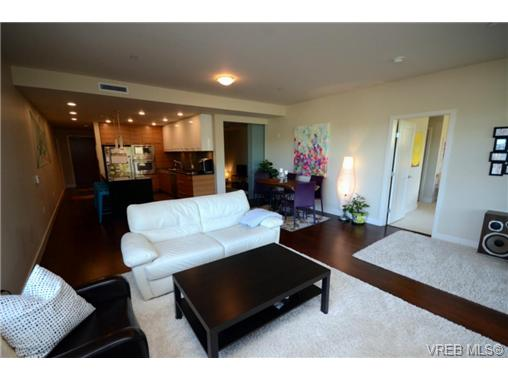 Main Photo: 306 3223 Selleck Way in VICTORIA: Co Lagoon Condo Apartment for sale (Colwood)  : MLS® # 360518