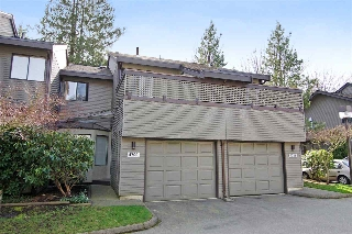 "Main Photo: 4709 GLENWOOD Avenue in North Vancouver: Canyon Heights NV Townhouse for sale in ""Montroyal Village"" : MLS® # R2039436"