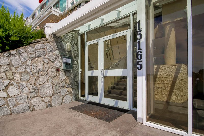 "Photo 2: Photos: 306 15165 MARINE Drive: White Rock Condo for sale in ""Semiahmoo Shores"" (South Surrey White Rock)  : MLS® # R2076728"