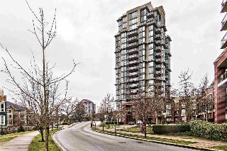 "Main Photo: 602 11 E ROYAL Avenue in New Westminster: Fraserview NW Condo for sale in ""THE RESIDENCES OF VICTORIA HILL"" : MLS(r) # R2141216"