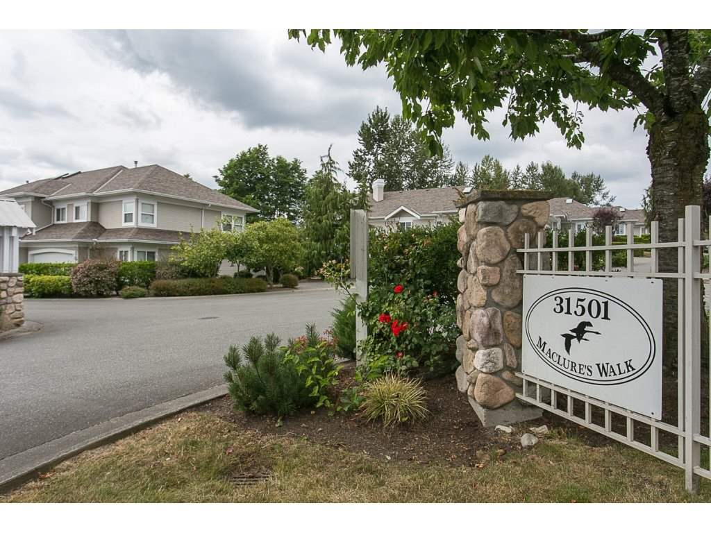 "Photo 2: 12 31501 UPPER MACLURE Road in Abbotsford: Abbotsford West Townhouse for sale in ""Maclure Walk"" : MLS(r) # R2141475"