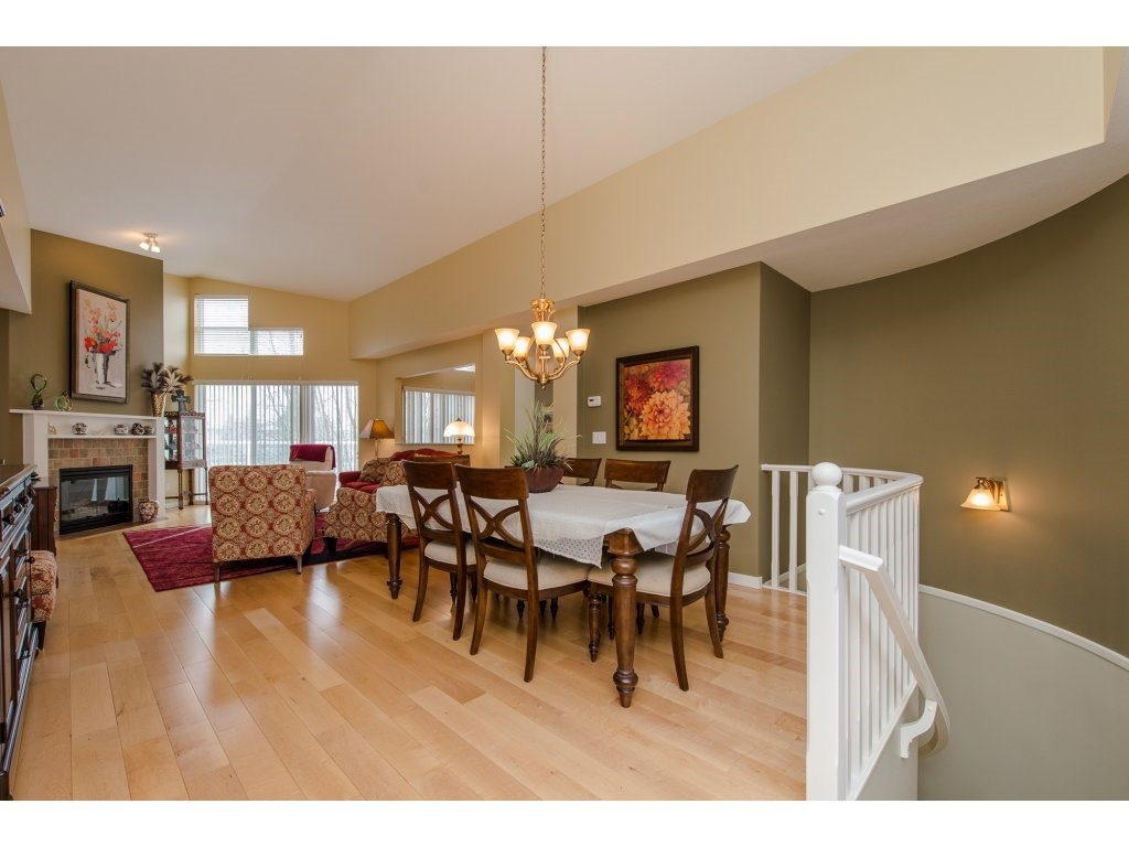 "Photo 3: 12 31501 UPPER MACLURE Road in Abbotsford: Abbotsford West Townhouse for sale in ""Maclure Walk"" : MLS(r) # R2141475"