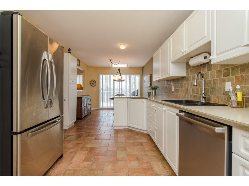 "Photo 10: 12 31501 UPPER MACLURE Road in Abbotsford: Abbotsford West Townhouse for sale in ""Maclure Walk"" : MLS(r) # R2141475"